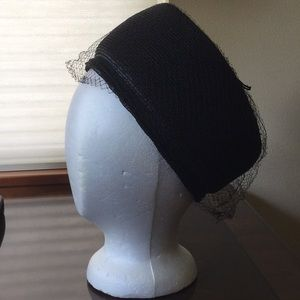 Vintage pillbox hat with veil, no label